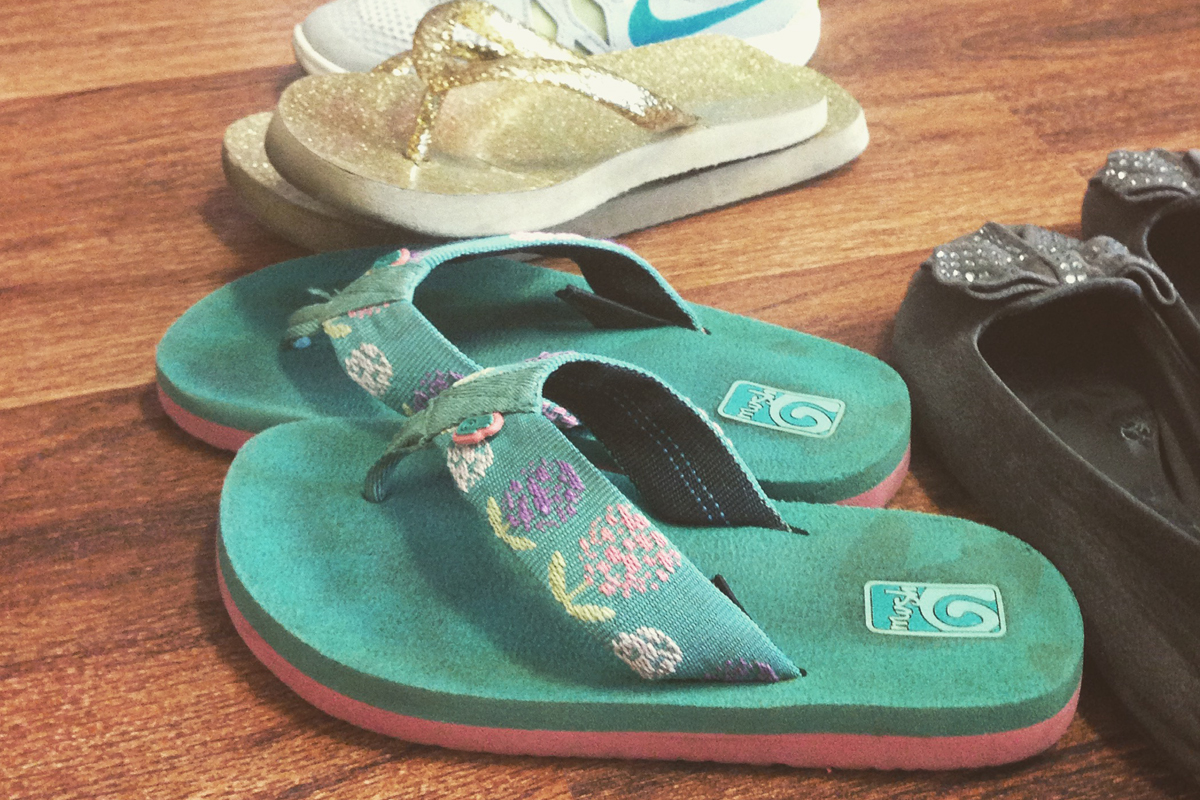kids yoga shoes